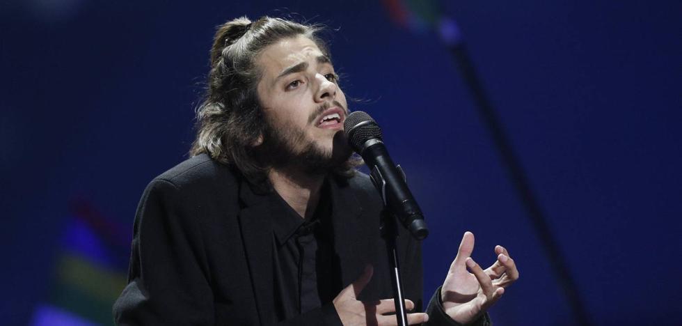 Salvador Sobral recibe un trasplante de corazón y evoluciona «muy bien»