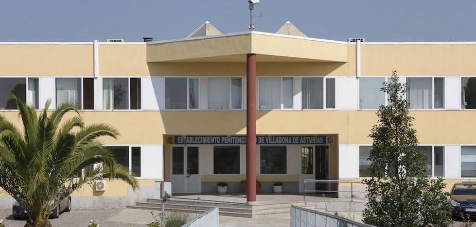 Un funcionario la prisión de Asturias, intoxicado al incendiarse una celda