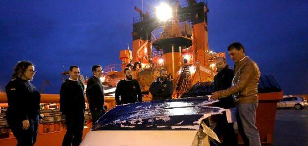 La familia confía en que los pescadores rescatados reciban mañana el alta