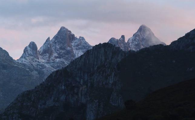Rescatan ilesos a siete excursionistas madrileños perdidos en Picos de Europa