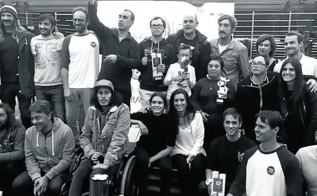 El surf asturiano corona a los mejores sobre la tabla