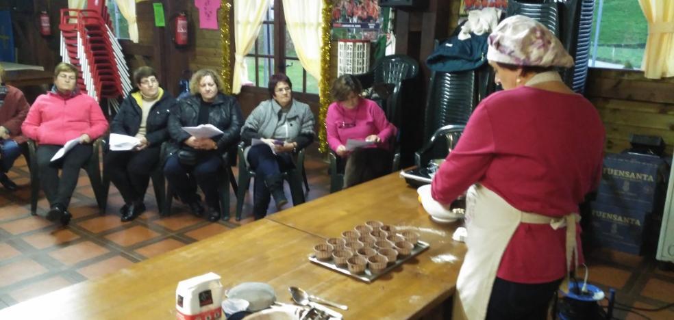 Valdés inaugura en Gamones el curso de cocina de Esther Freile
