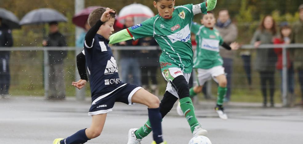 El Sporting, el Veriña y el Oviedo cumplen su condición de favoritos