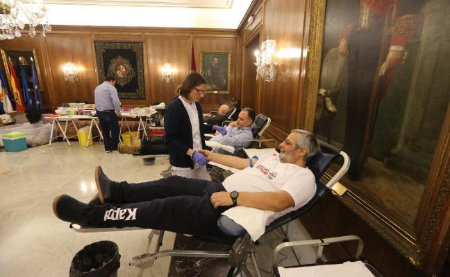 El Maratón de Sangre recibe sesenta donantes el primer día