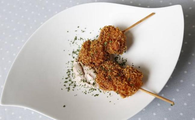 Langostino en tempura con mayonesa de chocolate
