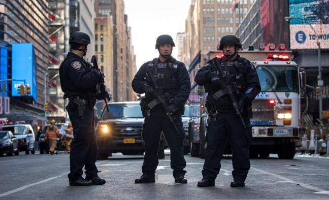 La Policía de Bangladesh busca a los familiares terrorista fallido de Nueva York