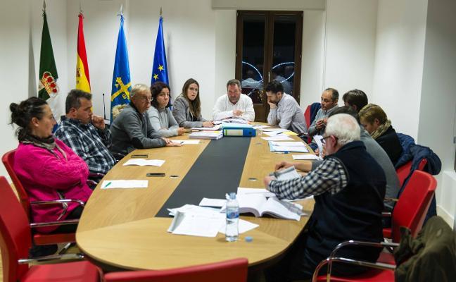 Colunga aprueba unas cuentas de 3,8 millones con 180.000 euros de inversión