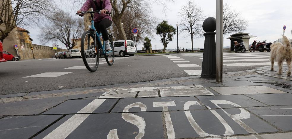Los colectivos ciclistas reclaman una ordenanza para peatones y bicicletas