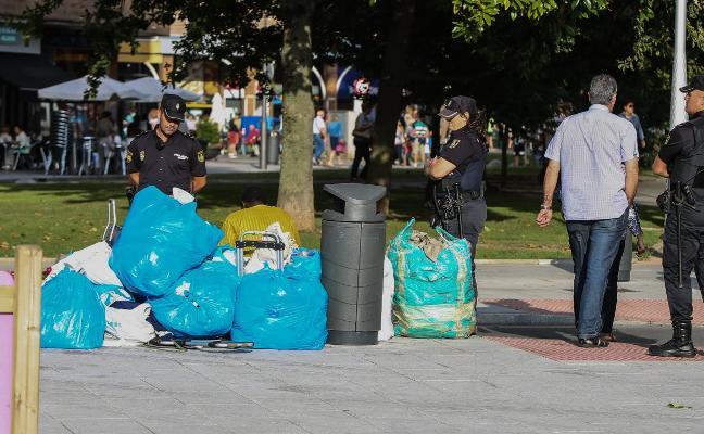 La UCAYC solicita que se actúe contra los 'manteros' y las falsificaciones