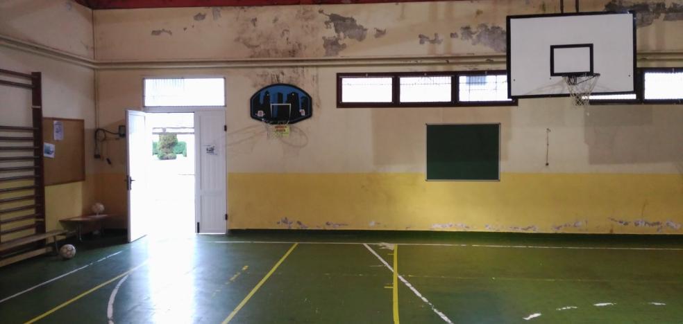 Los padres de alumnos del colegio de Trevías se movilizan por las carencias del centro