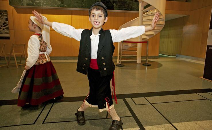 Folclore infantil en el festival Trebeyando