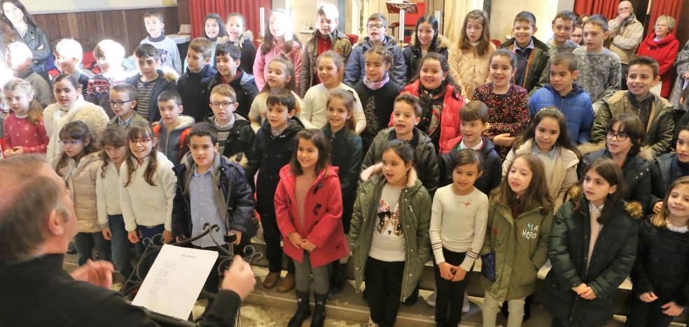 Más de 200 niños protagonizan el Festival de Villancicos de San Félix