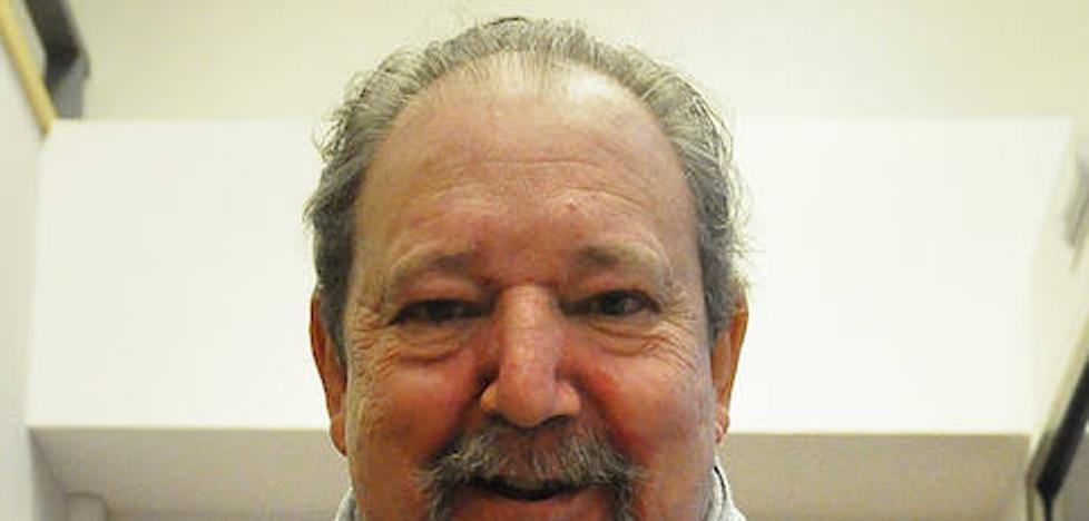 Adolfo Casaprima, ganador del premio Asturias de novela
