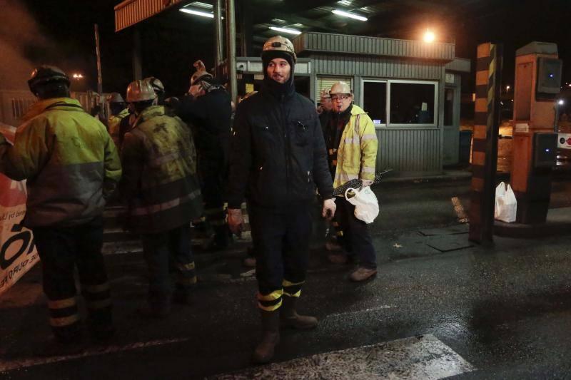 Trabajadores de Duro se concentran ante Arcelor
