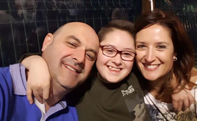 Una familia avilesina busca donante de médula para su hija