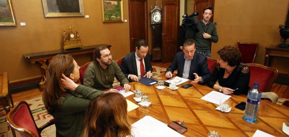 PSOE y Podemos mantienen el pulso presupuestario y la prórroga gana enteros