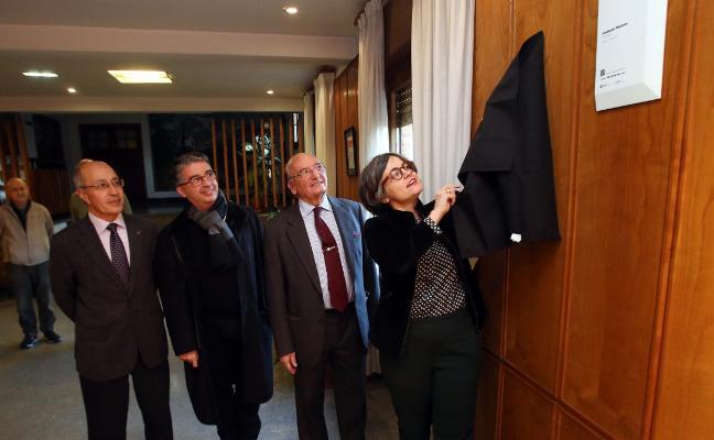 El Colegio de Arquitectos entrega la placa Docomomo a la Fundación Masaveu