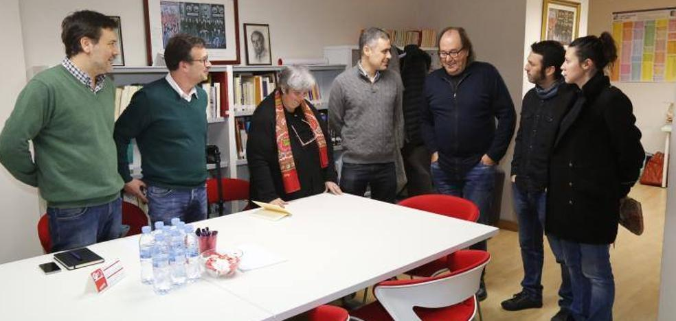 PSOE y Xixón Sí Puede buscan acuerdos «para hacer valer la mayoría de izquierdas»