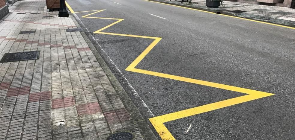 La prohibición de aparcar en el centro de La Ará divide a Riosa