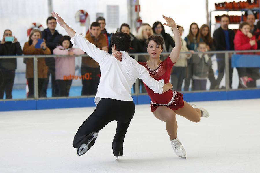 Exhibición de patinaje sobre hielo en el 'solarón'