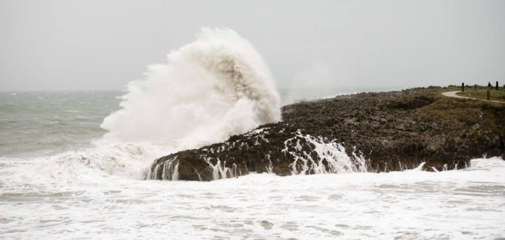La borrasca deja ráfagas de 110 kilómetros por hora y las lluvias más intensas del país