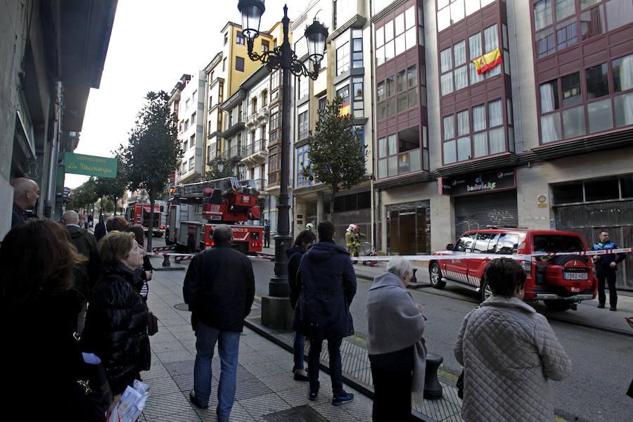 Incendio en la calle El Rosal de Oviedo