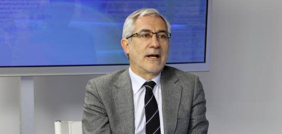 Llamazares califica de «hipócrita» a Foro Asturias y al PP por criticar la prórroga de la deuda