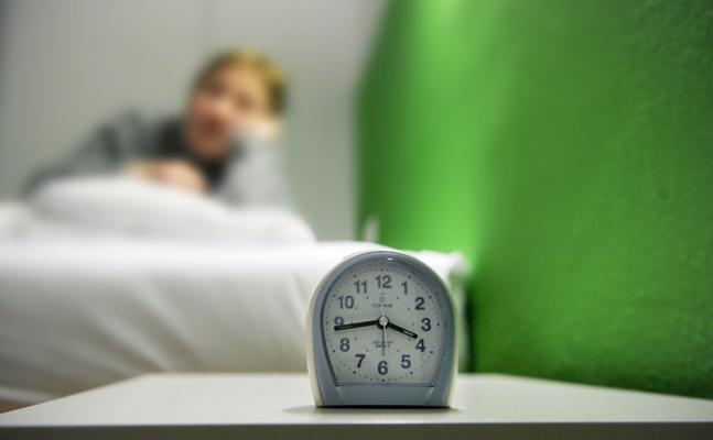 Las personas que duermen menos de 8 horas tienen más riesgo de ansiedad y depresión