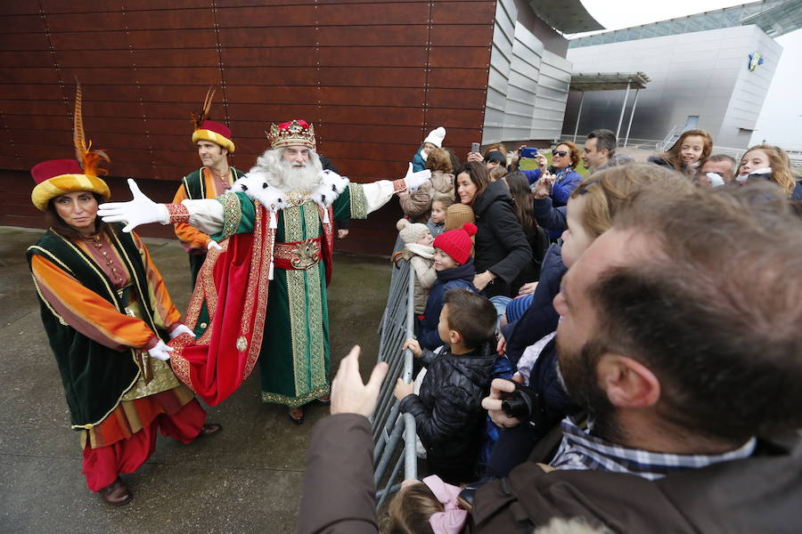 La recepción de los Reyes Magos en Gijón