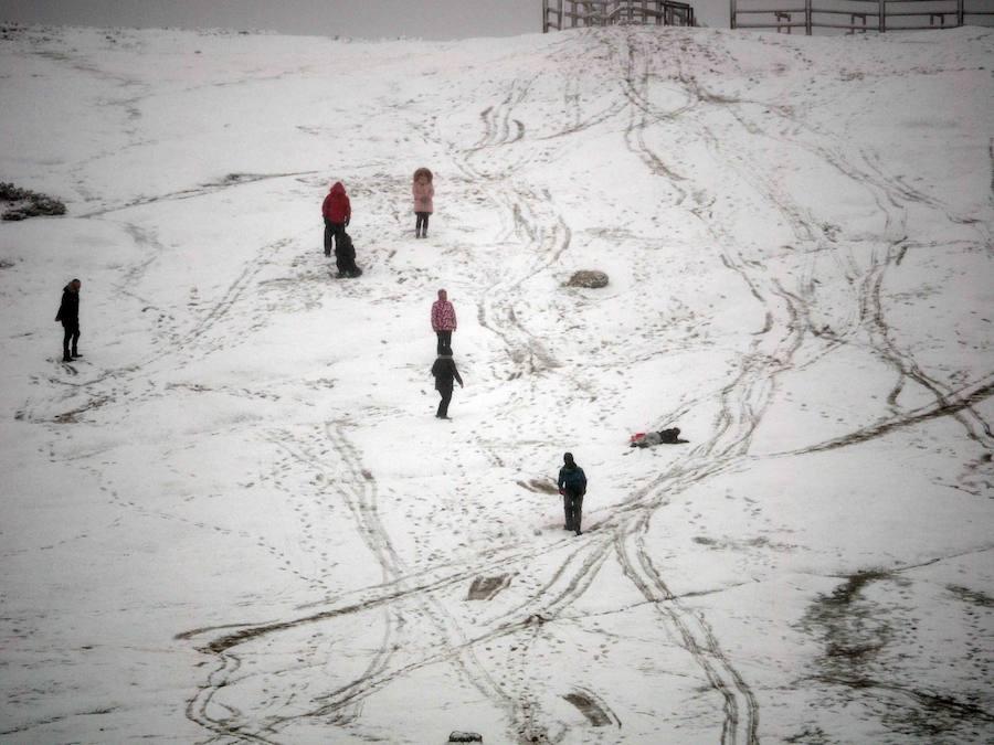 Los Lagos de Covadonga, cubiertos por la nieve
