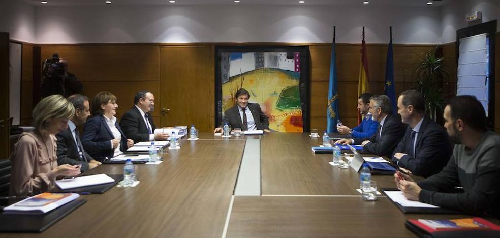 La patronal propone al Principado cofinanciar proyectos ante el recorte de inversión pública