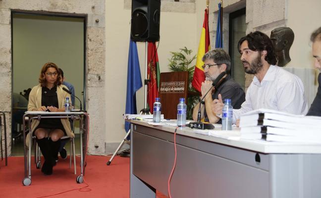 La Fiscalía denuncia al alcalde de Llanes por prevaricación en el contrato de una consultora