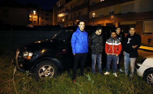 «Seguimos con ganas de aventura», dicen los atrapados en un coche en L'Angliru