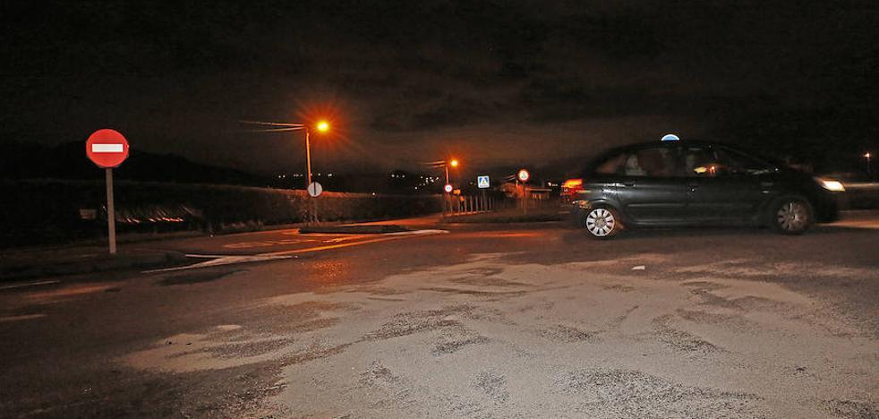 Seis heridos en un choque frontal entre dos vehículos en Gijón