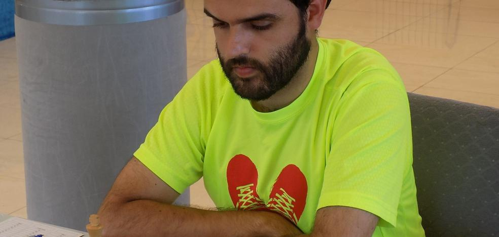 Adrián Vázquez gana en el Ateneo