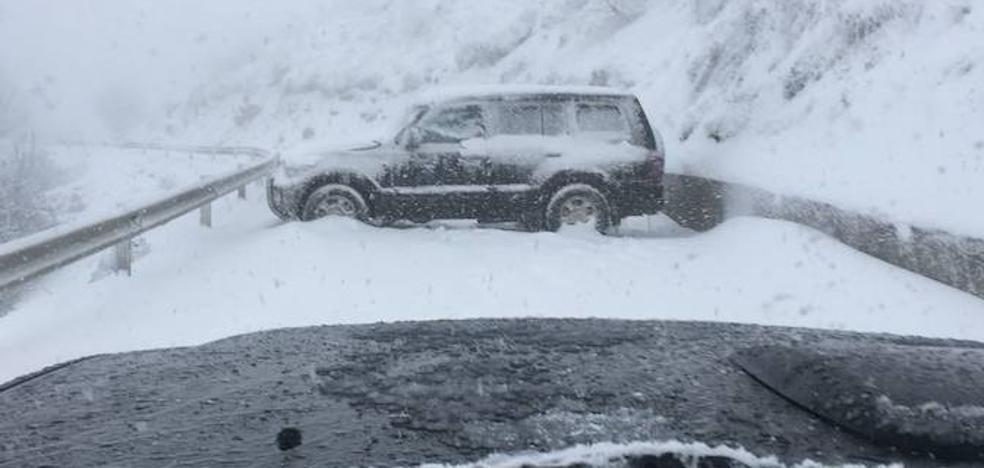 «No había tanta nieve en L'Angliru, pero no se atrevían a bajar, les faltaba pericia»
