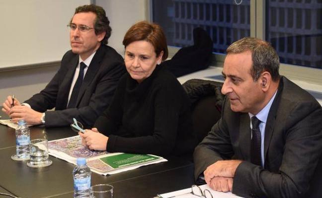 Couto: «Gijón está de enhorabuena por el acuerdo del plan de vías»