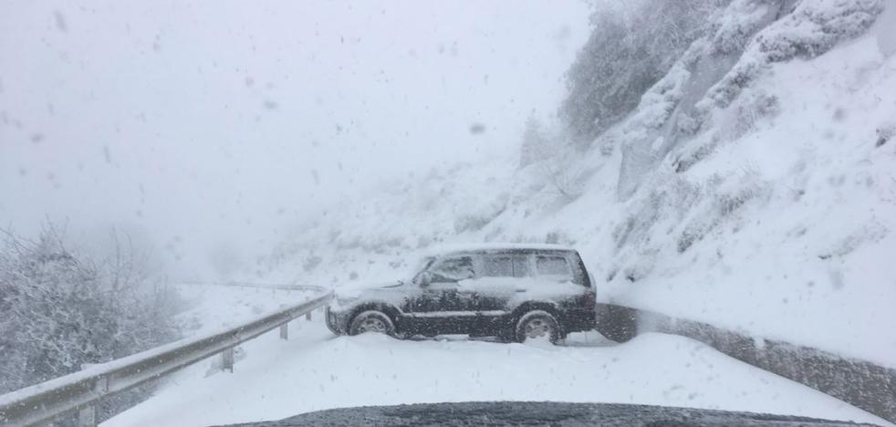 «No había tanta nieve. Fue falta de pericia», dice el hombre que auxilió a los jóvenes de L'Angliru