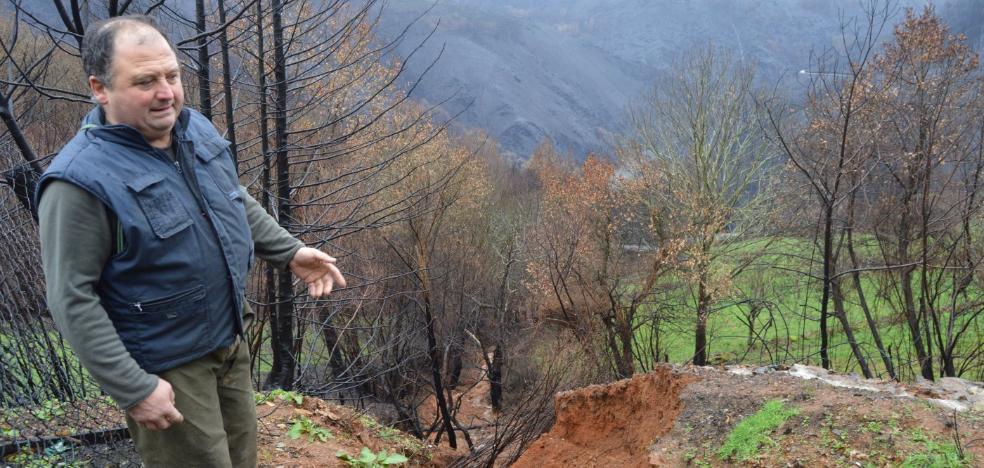 Cornollo, pendiente de las lluvias que arrastran el monte quemado