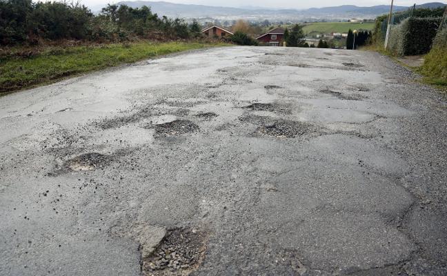 Siero mejorará el vial que da acceso a La Barganiza y al colegio Peñamayor