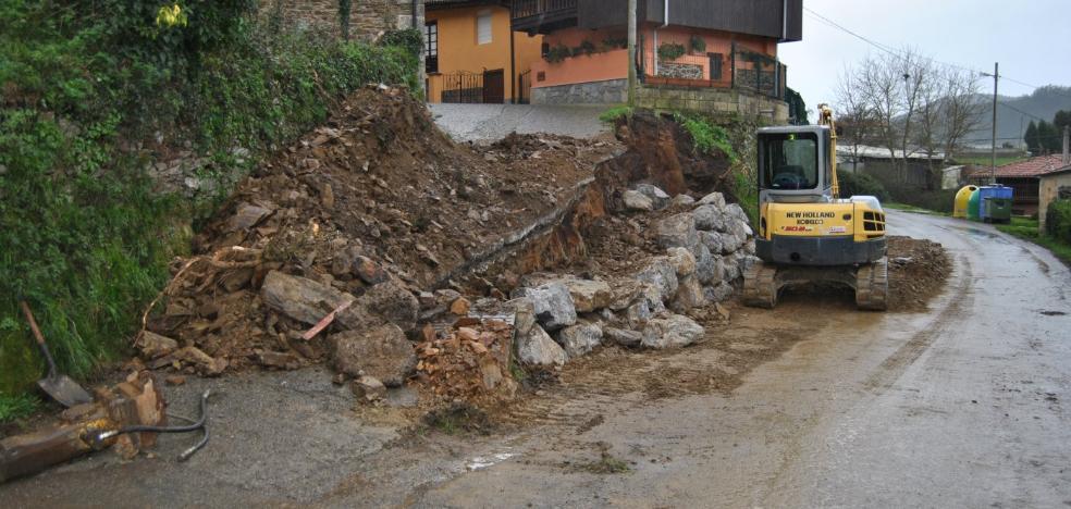 El Ayuntamiento de Pravia mejora varios caminos en Folgueras