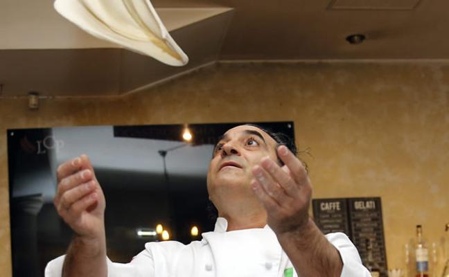 «En todo el mundo hay un napolitano haciendo pizza»
