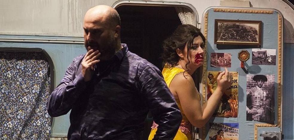 Carmen le pega un tiro a Don José