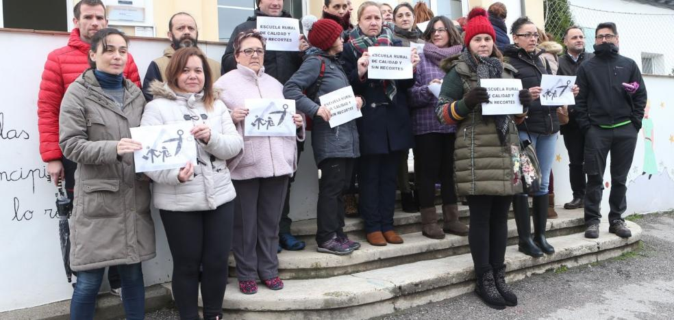 Las familias del CRA de Viella se movilizan para exigir un logopeda en sus tres escuelas