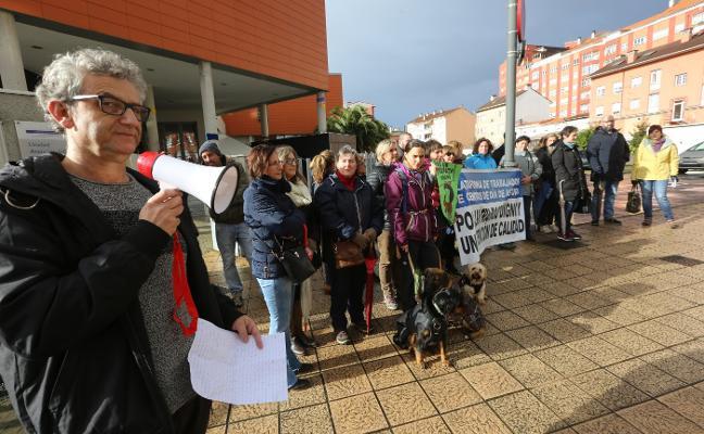 La plantilla del Centro de día Ría de Avilés denuncia los ajustes de Eulen