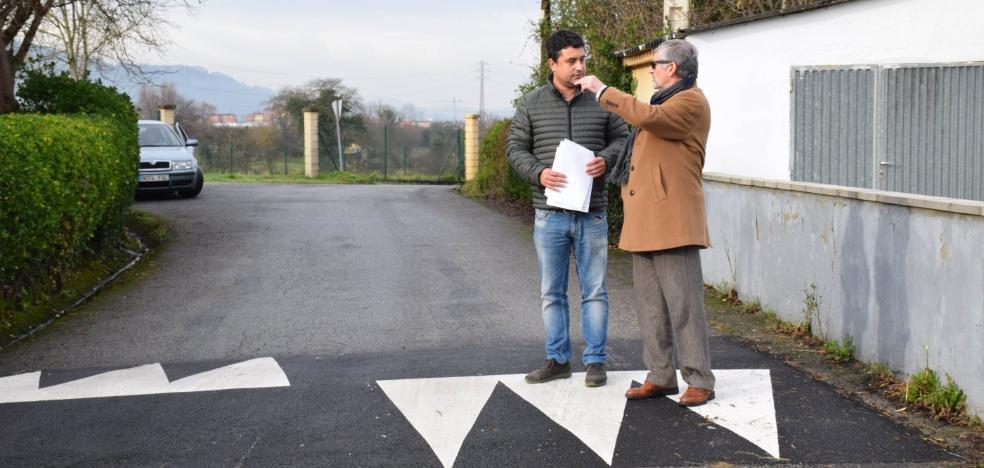 Siero invierte 21.000 euros en instalar reductores de velocidad