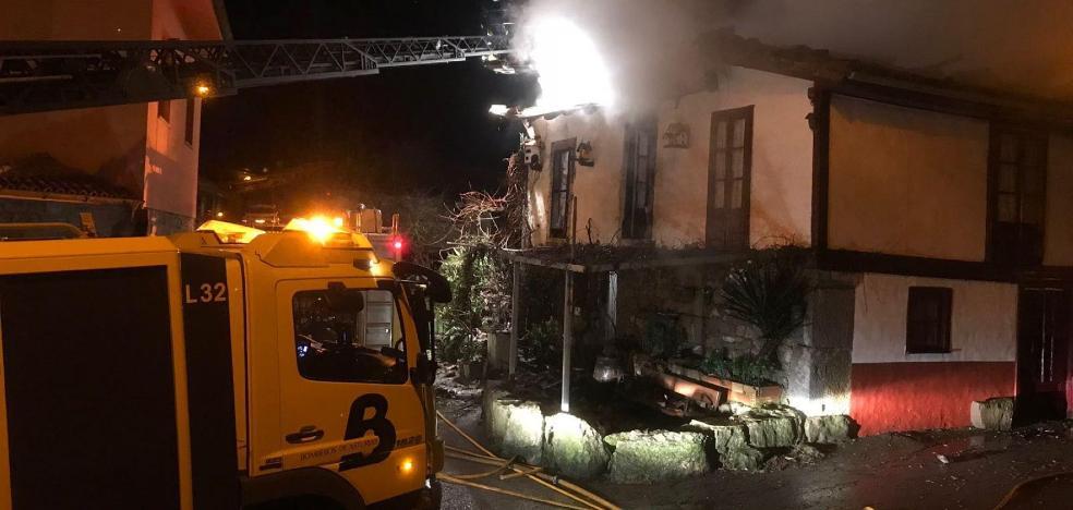 Arde una vivienda en La Muria, en el concejo de Belmonte de Miranda