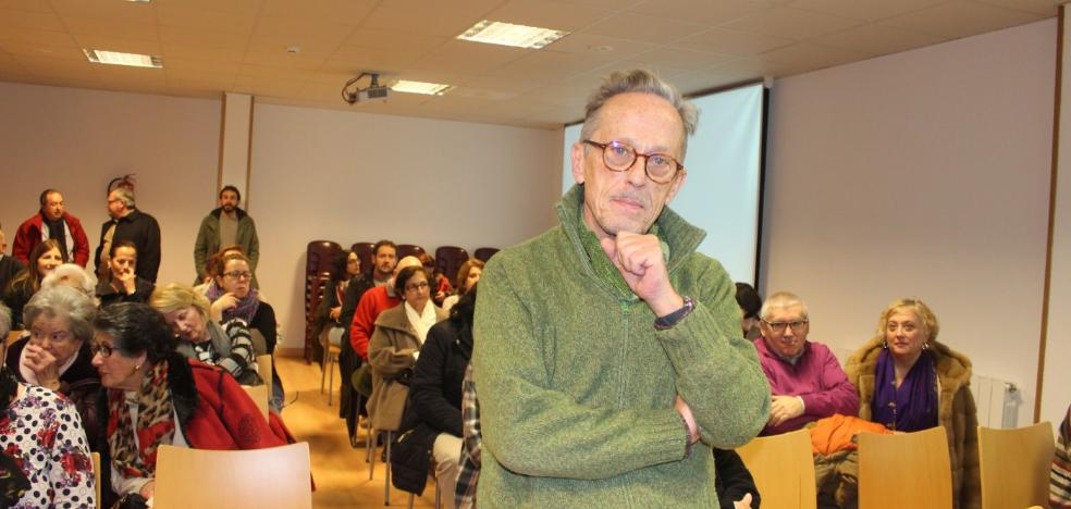 «En los concejos de Asturias hubo muy poco interés por conservar el papel»