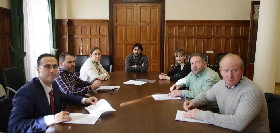 Los ayuntamientos renuevan el programa de apoyo familiar