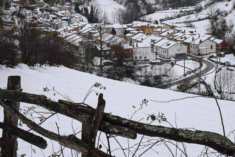 Asturias se cubre de blanco